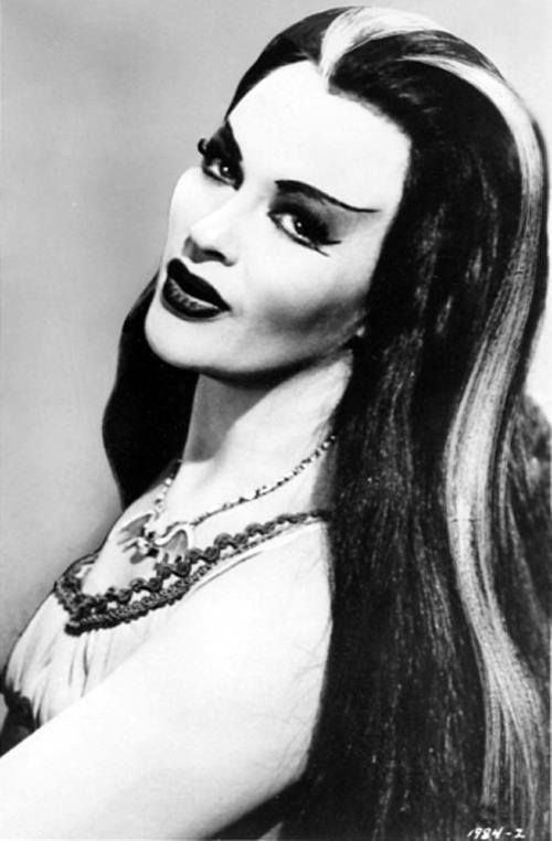 Lily Munster <3