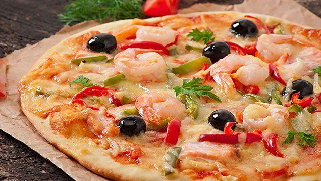 Snabbmat är inte dålig mat - snabbmat kan också vara nyttig mat. Det gäller bara att tänka på vilken snabbmat som du väljer. Här får du tips på bra snabbmat - väl värt att kolla på så du inte väljer fel.  Thairätter Innehåller mycket frukt och grönt med nyttiga ämnen samt förhållandevis lite socker. Wokade grönsaker samt räkor, fisk och kyckling i ofriterad form är alla bra val. Undvik friterat samt kokosmjölk och feta såser baserade på jordnötter och grädde. Recept på thaimat - kolla här…