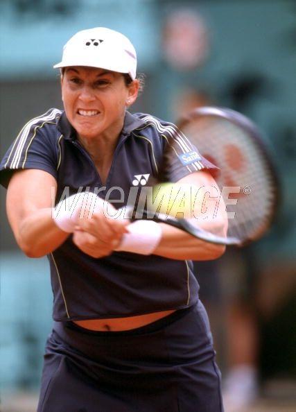 Monica Seles beats Angeles Montolio...