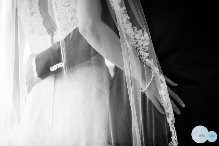 trouwen, bruiloft, bruidsreportage, wedding, rings, trouwringen, bruid, bride, bruidegom, sluier, www.2rmbr.com