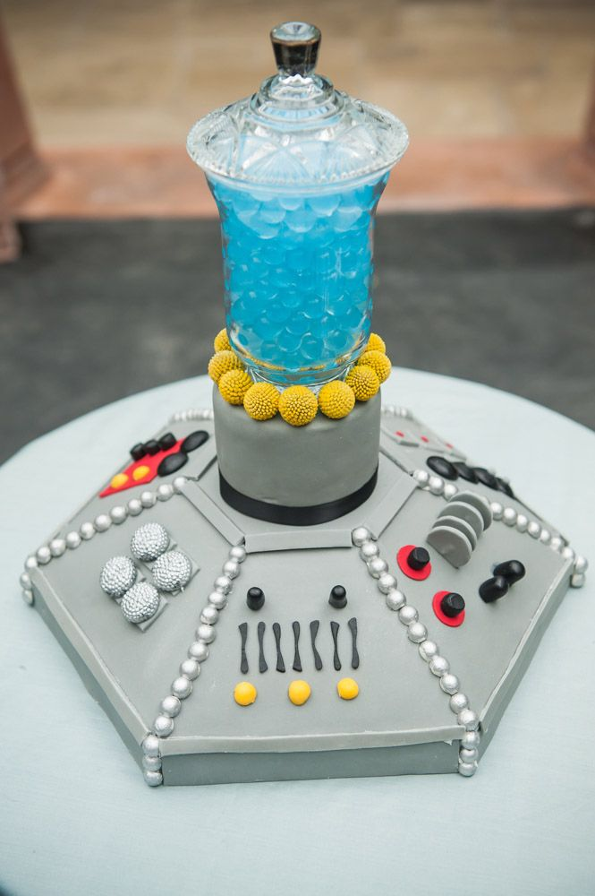 156 best Dr Who Cakes images on Pinterest Doctor who cakes Baking