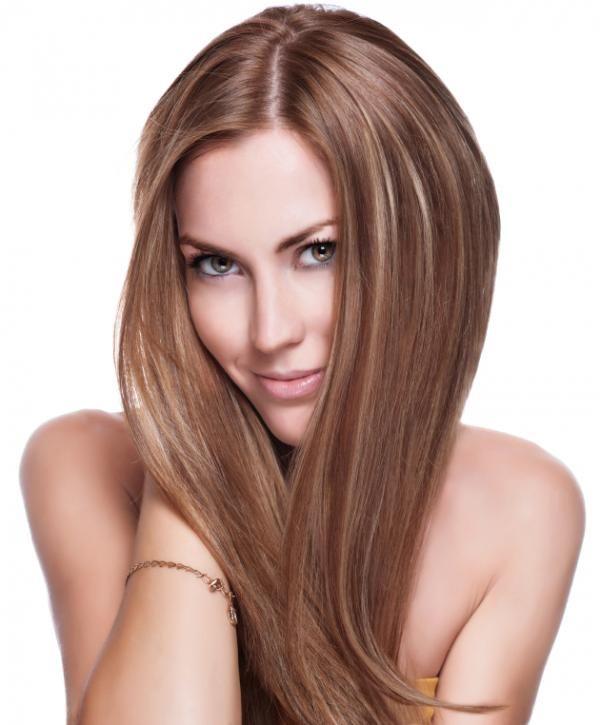 Cómo usar la miel para aclarar el cabello. Si quieres lucir un cabello con reflejos dorados sin dañarlo con tintes o con decolorantes, añade un poco de miel en tus tratamientos de belleza y verás cómo el tono de tu pelo se aclara y se muestra ...