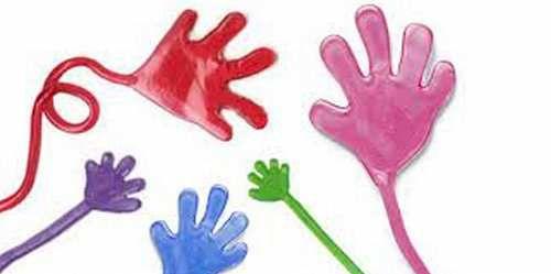 Attualià: #Sorprese #patatine: la #manina appiccicosa il gioco anni 90 preferito dai bambini (link: http://ift.tt/2nCGdYe )