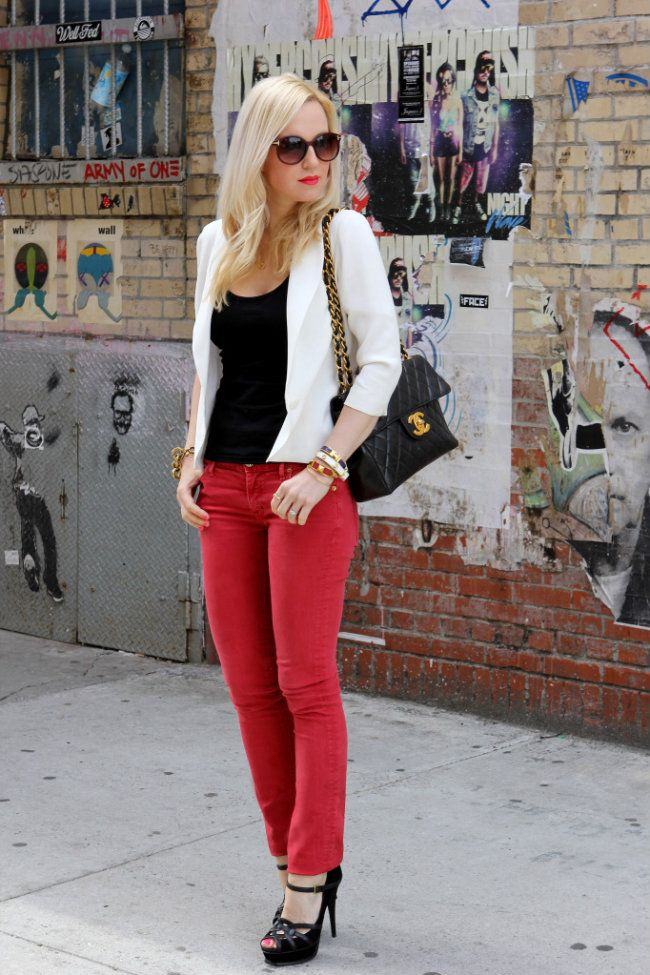red skinny jeans: Fashion, Chanel Bags, Red Skinny Jeans, Red Jeans, Style, Outfit, Black White Red, Red Pants