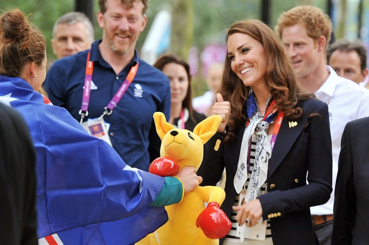 Kate Middleton and Rebecca Adlington chat about Duchess' shoes on royal visit to Team GB stars at Athletes' Village - Mirror Online