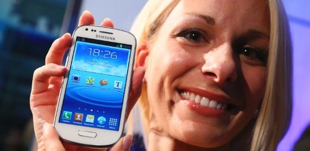 Segundo a conceituada consultoria IDC, 75% dos smartphones vendidos em todo o mundo no 3º trimestre de 2012 usavam o sistema móvel Android, do Google, índice que superou o do 2º trimestre, de 68%. Com isto, o Android ampliou sua vantagem em relação ao iOS, o sistema móvel da Apple. No UOL Tecnologia.