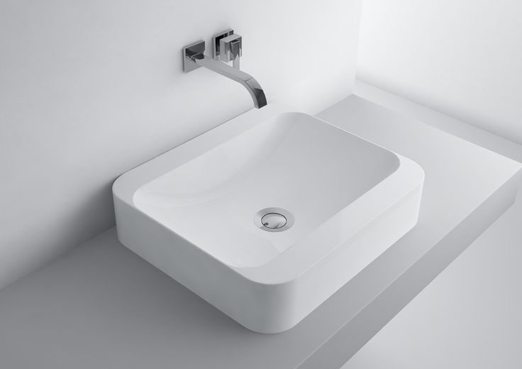 Did you know that we use bathroom sinks use up to 10 times a day? That is why it is important to choose them them deliberately, particularly in case of a large number of household members, which would give us usage comfort without the risk of the morning arguments before going to school or work. The optimal solution for large families and large bathrooms is assembling two sinks next to each other on a long countertop, under which there are handy shelves for towels or cosmetics.