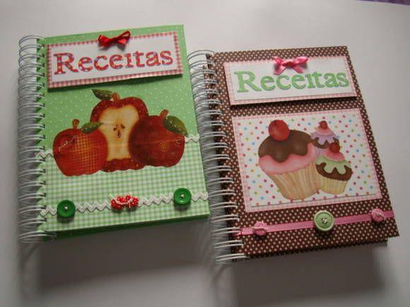 Caderno de Receitas feito em catornagem e decorado com Scrapbooking.    * Capa dura    * 2 divisórias decoradas    * 100 folhas pautadas por divisória    Lindos, lindos!!! R$ 59,90
