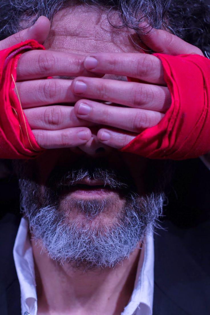 """Luis Quinteros/ECLÉCTICA TEATRO: """"El señor Bergman y Dios""""  Ecléctica Teatro""""El Señor Bergman y Dios"""" equipo. Texto de Marcelo Bertuccio PH: Diego Ruiz ESTRENO: miércoles 08-10-2014 20:30 hs Funciones en octubre:  Miércoles 15/10, 22/10 y 29/10 20:30 hs. Viernes 24/10 y 31/10 21:30 hs. Sábado 25/10 21:30 hs.  SALA: Azucena Carmona Teatro Real. Córdoba- Argentina."""