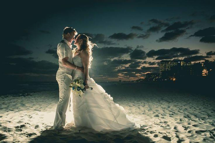 #love #wedding #beach #flowers #couple #sky #sand #bride #groom #cancun #playadelcarmen #photography