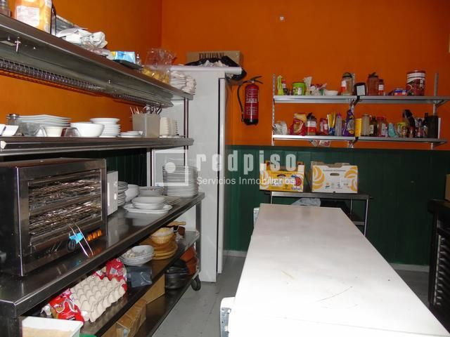 Local Comercial en alquiler en ALBERTO AGUILERA. Centro