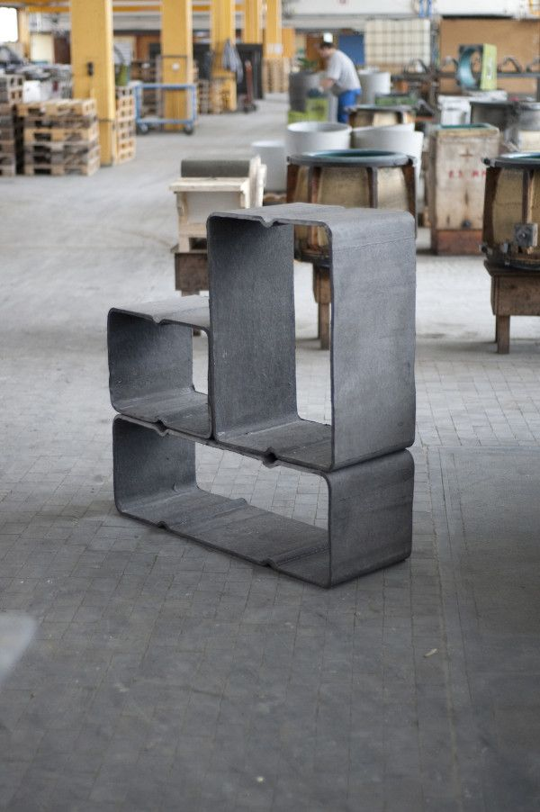 Eternit has a history of manufacturing fibrous cement furniture conceived by renowned designers such asLe Corbusier, Willy Guhl,between others. Basso can be used both indoors or outdoors, and can be used for books, wine, or even firewood.