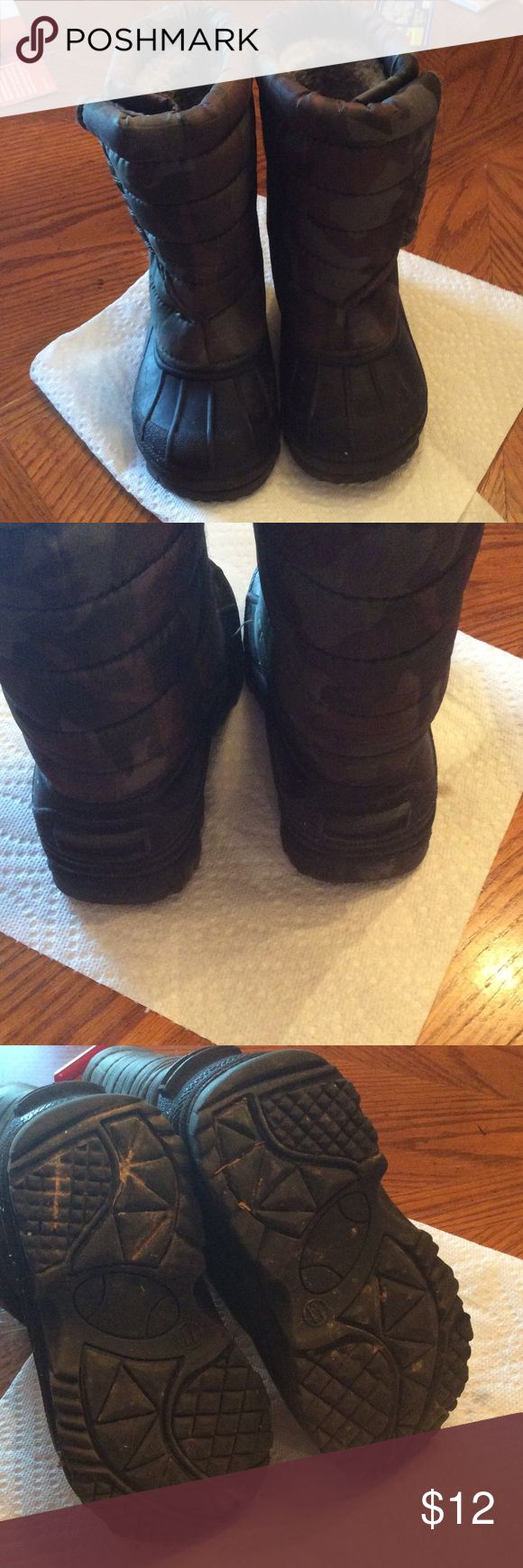 Children's winter boots Camouflage quilted winter boots. Have thick rubber sole & toe area. Has Velcro on sides for ease of putting on or off.  Bundle & save! Fast Shipper. Shoes Rain & Snow Boots
