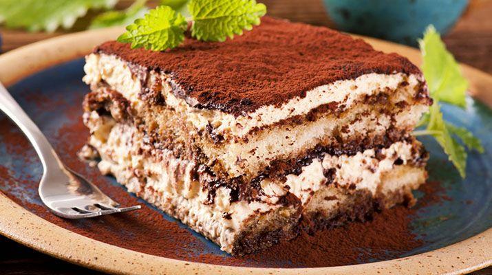 Тирамису - это настоящий десерт для взрослых. побалуйте себя наслаждением от вкуса! Приготовьте дома настоящий шедевр кулинарии.