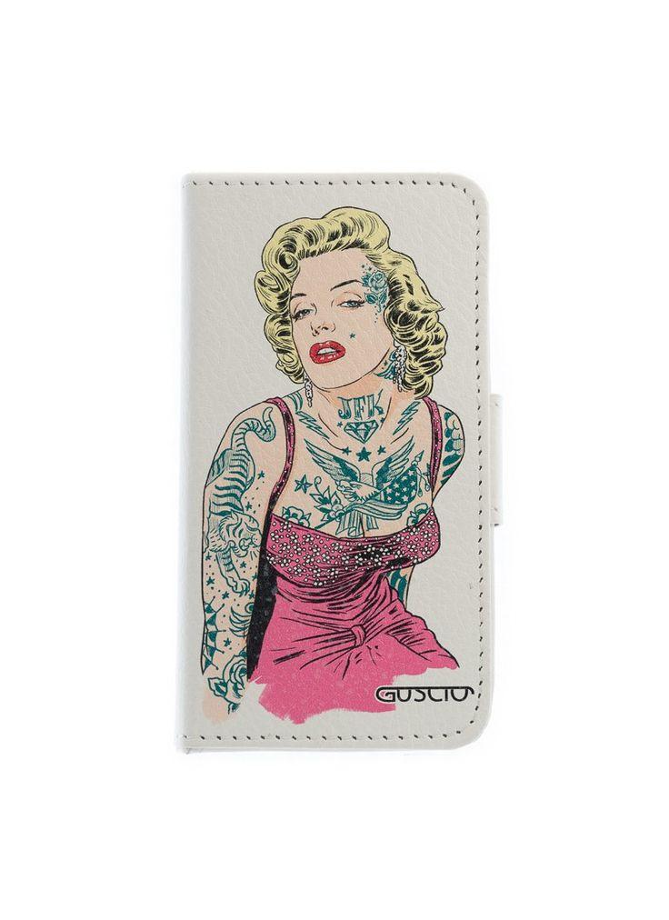 ein GUSCIO Flipcase für das iPhone 4 mit einer  tätowierten Marilyn Monroe im sexy Pinup Look - entworfen vom italienischen Karikaturisten Marco Calcinaro - noch viel mehr coole Motive und jede Menge Smartphone Cases gibt es in unserem Onlineshop unter www.guscioshop.com