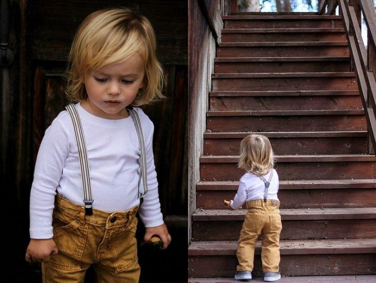 Lange Haare mit Seitenscheitel - Kinderfrisuren