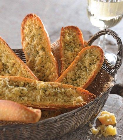 ¡Ofrece a tus invitados un delicioso pan de ajo hecho por ti mism@!