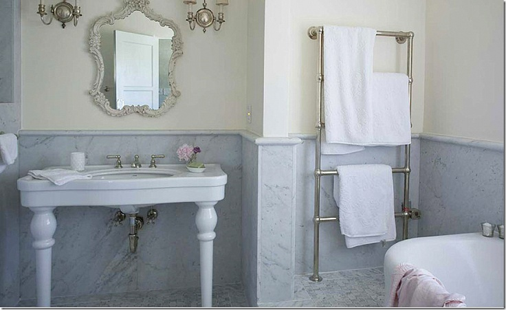 17 best ideas about beach style towel warmers on pinterest for I need to use the bathroom in french