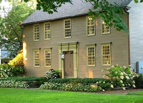 New england colonial house colors restaurant pinterest for New england colonial homes