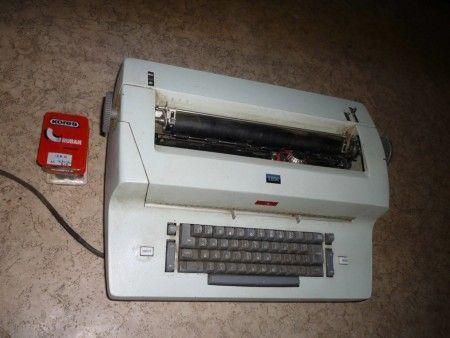 Première machine à écrire