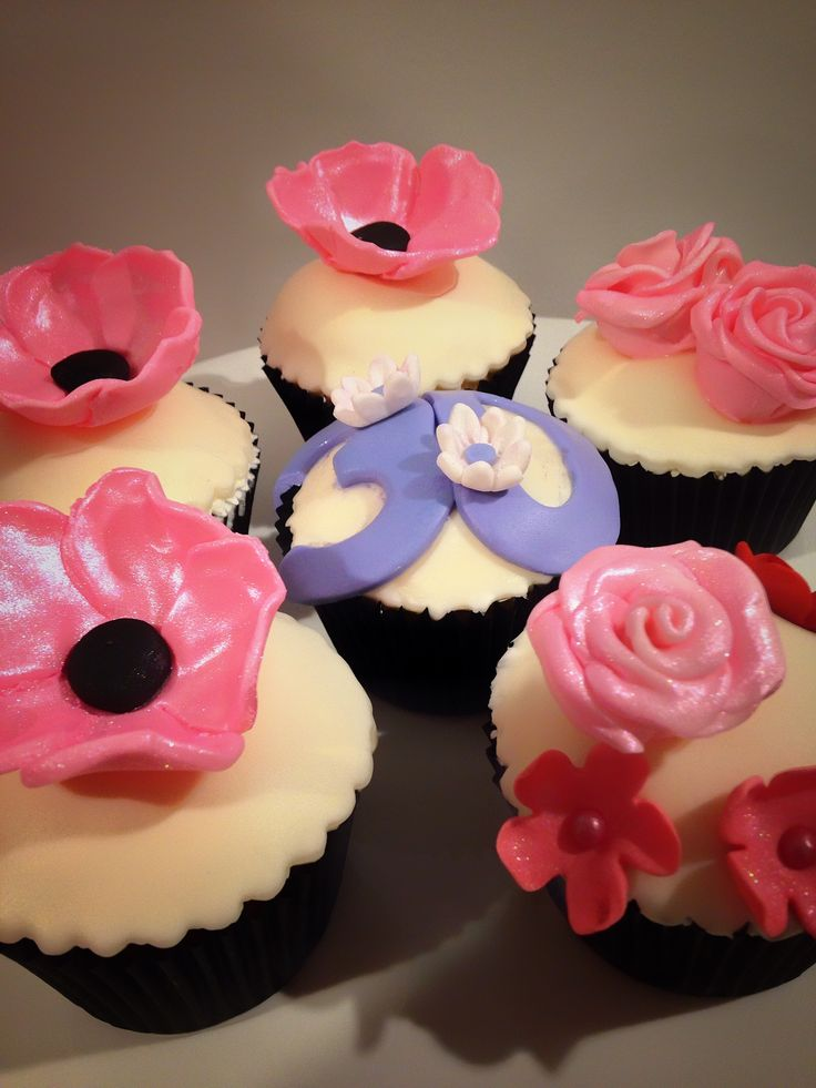 Vanilla & Strawberry Cream Cupcakes for 30th Birthday