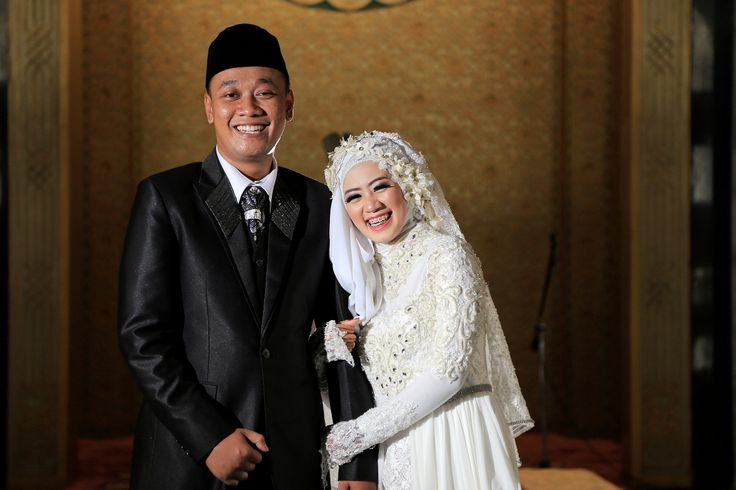 Zenda & Dito Wedding oleh LAKSMI - Kebaya Muslimah & Islamic Wedding Service • Gaun pengiring pengantin | Bridal | Bridestory di Indonesia | Bridestory
