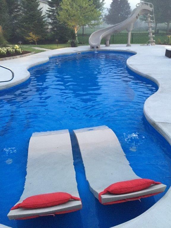 164 best backyard fiberglass inground swimming pools for Pool design with tanning ledge