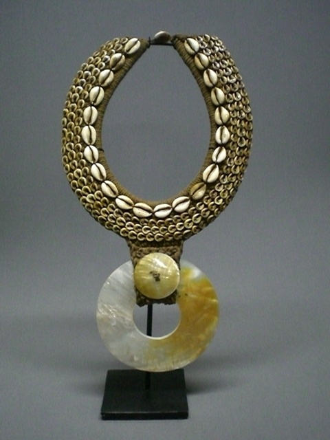 Papua New Guinea - Necklace - cowrie shells, mother of pearl and woven fibre