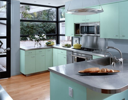 Retro kitchen: Kitchens, Cabinet Colors, Design Kitchen, Kitchen Design, House, Vintage Kitchen, Kitchen Cabinets