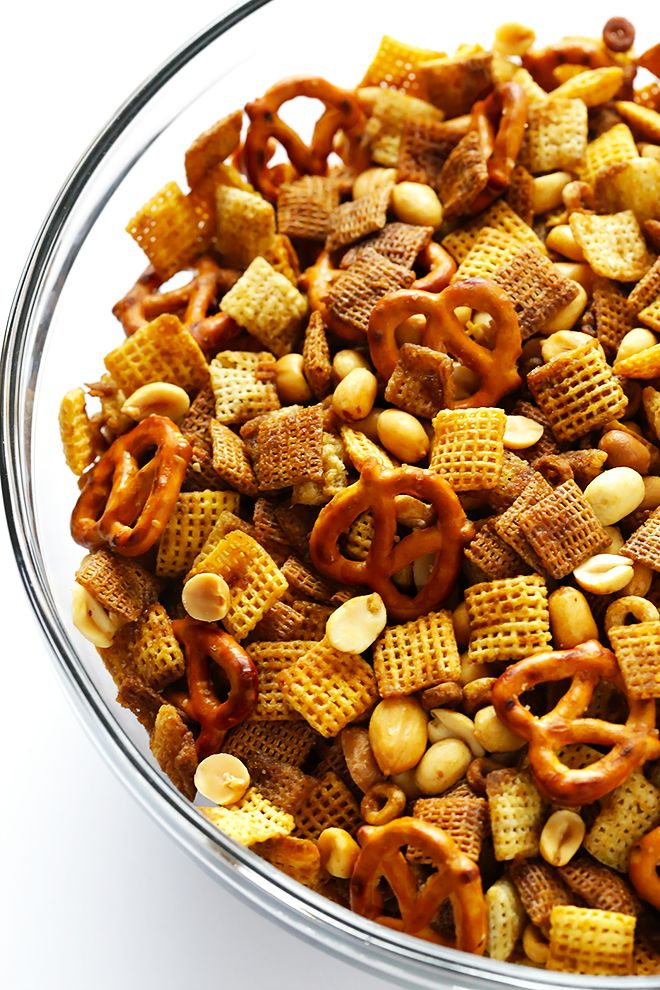 This Extra-Bold Chex Mix recipe is made just the way I like it -- with lots of extra sauce. Such a great snack or party appetizer! | gimmesomeoven.com