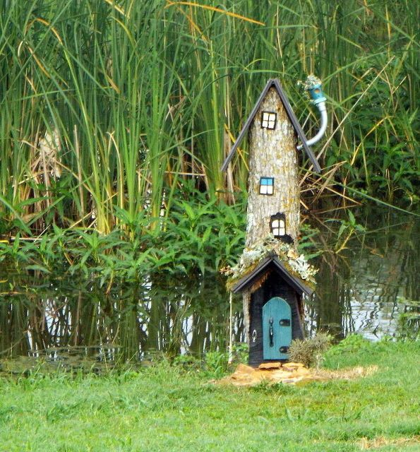 fairy house from a stump, gardening