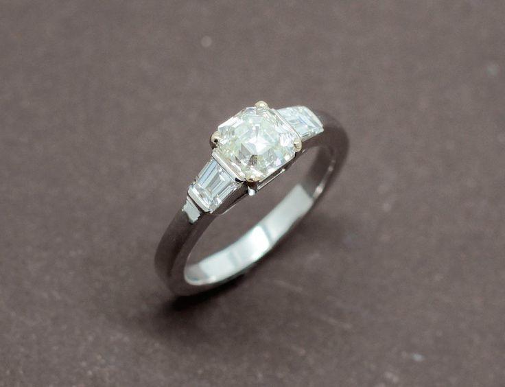 Solitaire Diamant Taille Emeraude