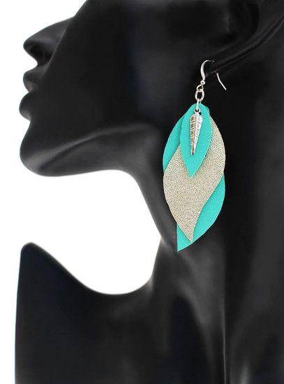 """boucles d'oreilles cuir - leather earrings - boucles d'oreille """"gaïa"""" - boucles d'oreilles mint champagne - bijoux en cuir - Made by S▲R▲Y▲N▲- 20€ www.sarayana.fr"""