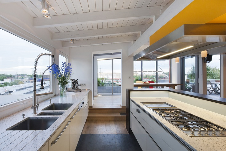 raum.4 gestaltet Räume-Küchen
