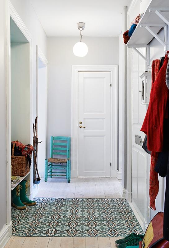 colourful eclectic apartment Gotenburg // Stadshem #turquoise #tiles