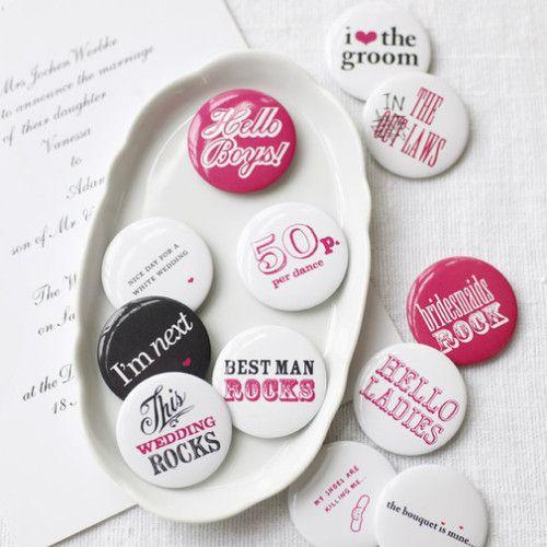 Badges Vintages avec vos noms ou la date de votre mariage!