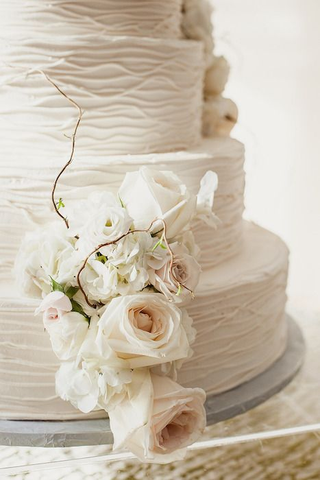 neutral tones wedding cake with beautiful texture