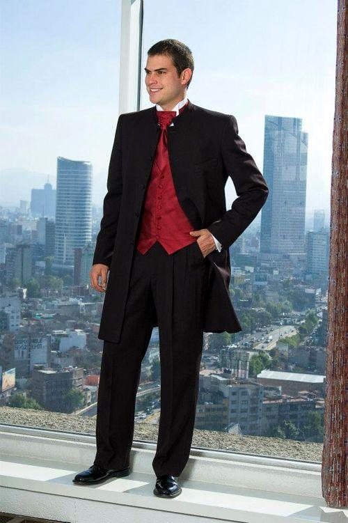 trajes-para-hombres-altos-y-delgados-MODELO PERFECTO PARA TENERLO