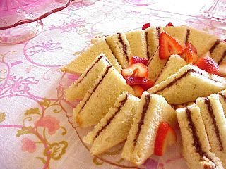 Host a tea party and serve these easy-to-make #tea #sandwiches-- perfect snacks for little hands!