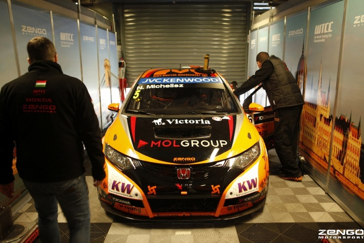 Michelisz Norbert brand new WTCC factory Civic finally in Team Zengo colours!