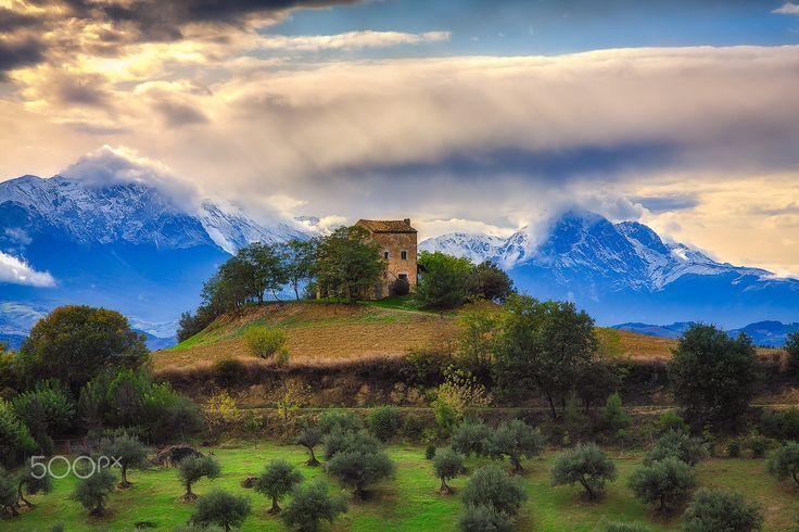 Carrufo, Villa Santa Lucia degli Abruzzi, Abruzzo, Italy.