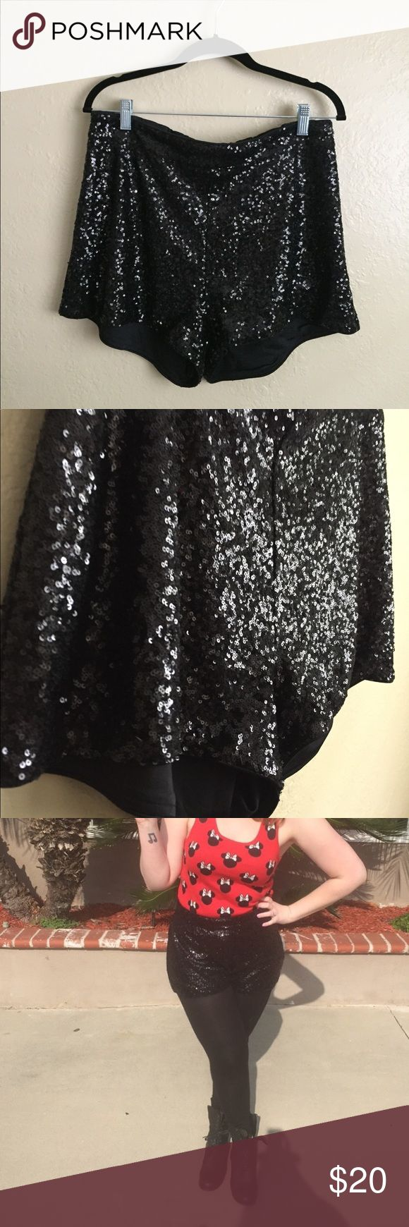 """H&M Black Sequin Shorts ✨ Worn once and in perfect condition. H&M black all over sequin shorts. Lining is soft and comfortable. Size 14, length is 14"""" from waist to hem. True to size with side zipper. True to size. For all other measurements please refer to brand size chart.                                                ✅ Reasonable offers considered. Please do not ask 'lowest' via comments  ✅ Bundle Discount  🚫 Cannot model item  🚫 No trades  🚫 Low ball offers will be declined H&M…"""