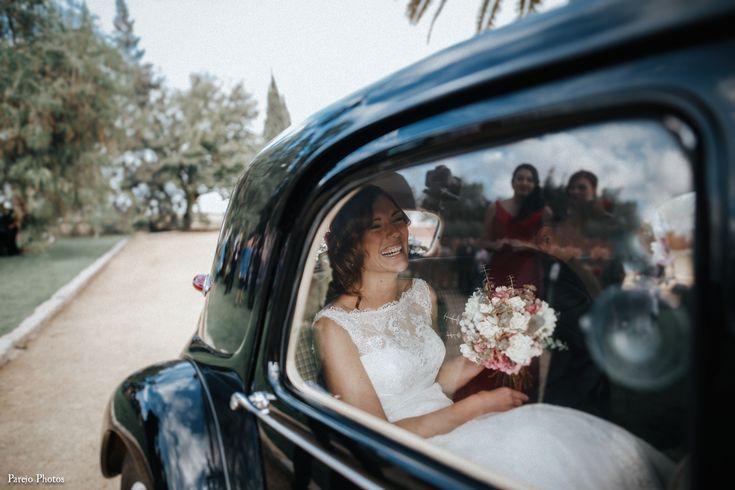 Alquiler de coche antiguo para bodas en sevilla. coche con clase para bodas.