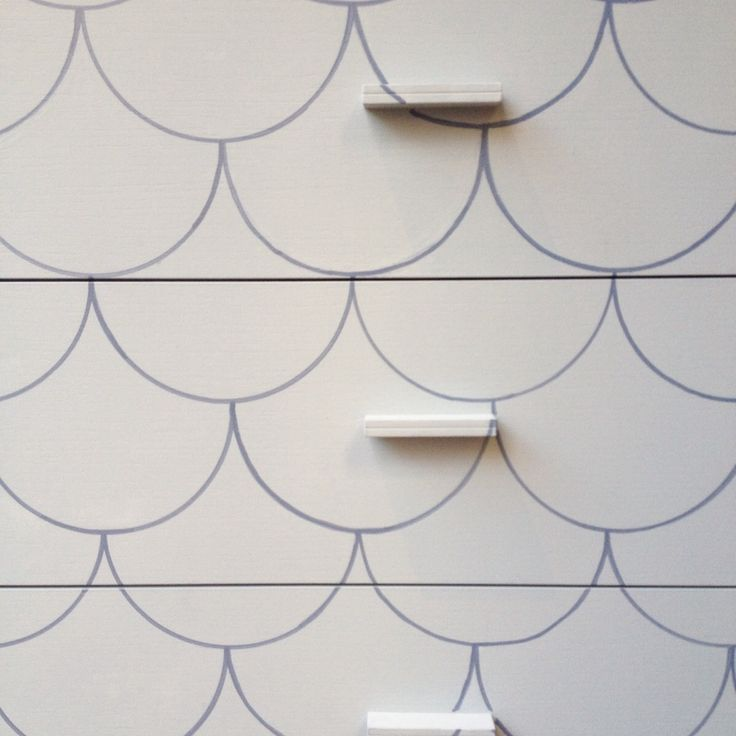 Turn your trivial piece of furniture into a unique piece with the Paint Makers Co. Paints and a geometric pattern. In this picture colour n. 81 Scandi Light.  www.paintmakerscompany.com