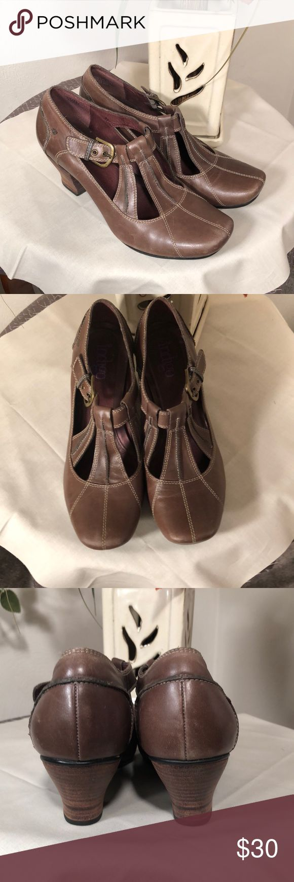 Clarks indigo 👠 shoes!! Sz 9.5 Clarks Indigo Brown heeled shoes!  Sz 9.5. They fit closer to a 9, though. Very comfortable!! Heel is 2.5 in approx. Clarks Shoes Heels