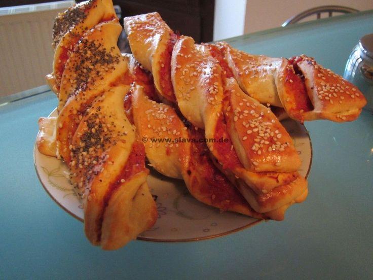 """Schnelle gedrehte Pizzastangen « kochen & backen leicht gemacht mit Schritt für Schritt Bilder und """"schmeckt-lecker-geling-Garantie"""" von &..."""