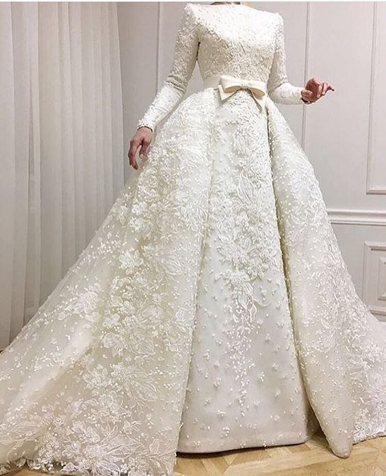 Fashion White Wedding Dresses With Long Sleeves A Line Wedding Dresses Lace Cheap Online Model Number: CD0071