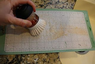 Clean your Cricut Mat tutorial. Why didn't I think of that???