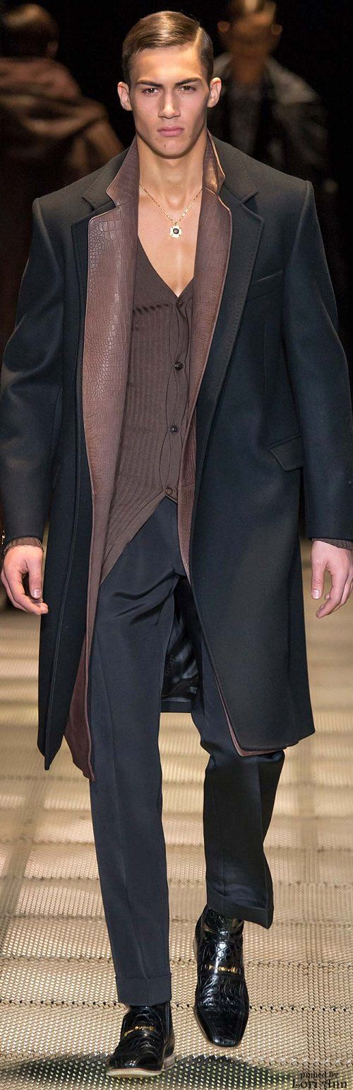 Versace Fall 2015- ok, his ensemble is great, but I think I'm in love. Wow.