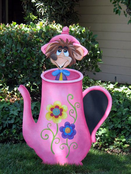 1000 images about alice in wonderland 1951 on pinterest for Mad hatter party props